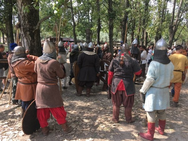 Valuable Meeting - Medieval Fair Days at Emese Park